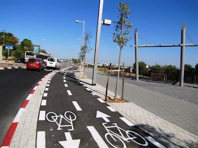 טיילת המדע, שביל אופניים תל אביב