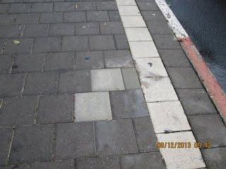 https://sites.google.com/site/sustainabilityorgil/home/bike-news/sign-poles-hazard-for-bicycles-1113/kkl_cut_signs%20(28)08%20(520x390).JPG